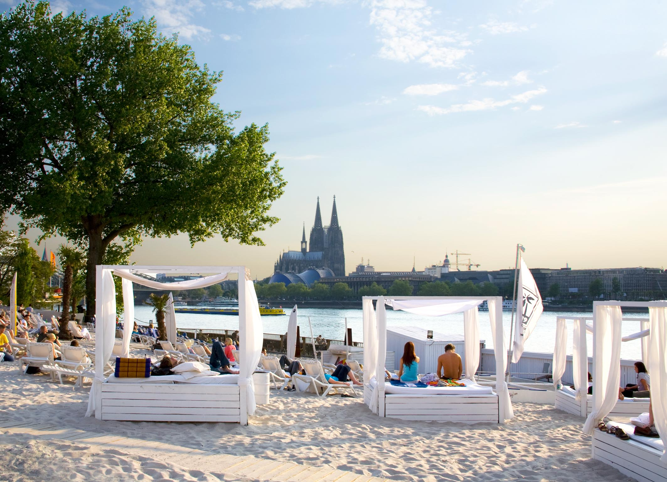 Km_689_Cologne_Beach_Club